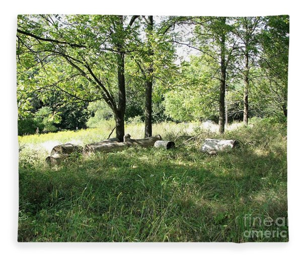 Resting Spot Fleece Blanket