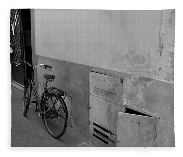 Bike In Alley Fleece Blanket