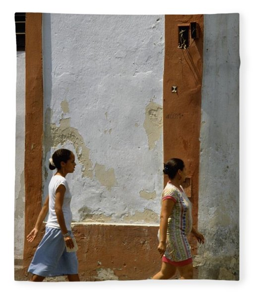 Photograph - Cuba Calle In Havana Cuba by Travel Pics