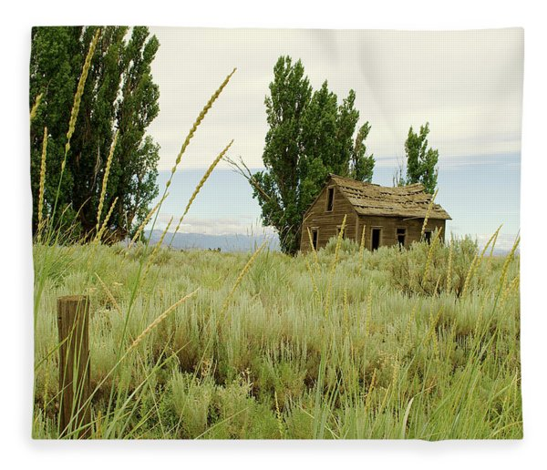 Dyer Country Home Fleece Blanket