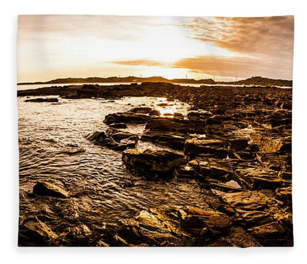 Dynamic Ocean Panoramic Fleece Blanket