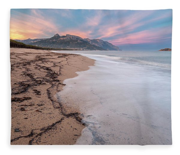 Explosion Of Colors On The Beach Fleece Blanket
