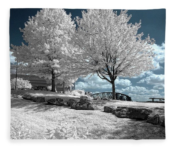 Falls Of The Ohio State Park Fleece Blanket