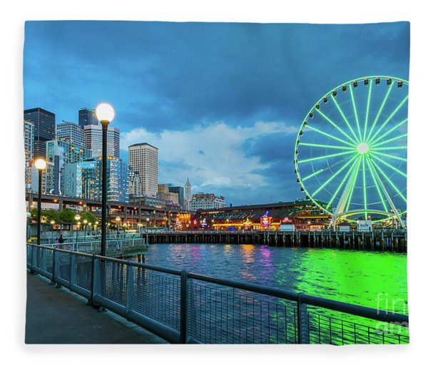 Green Great Wheel Fleece Blanket