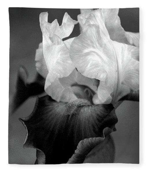 Iris 6621 H_5 Fleece Blanket
