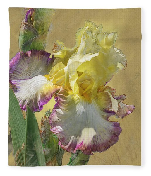 Iris, 'kiss Of Kisses' Fleece Blanket