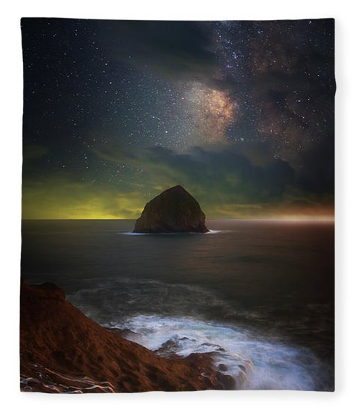 Kiwanda Nights Fleece Blanket