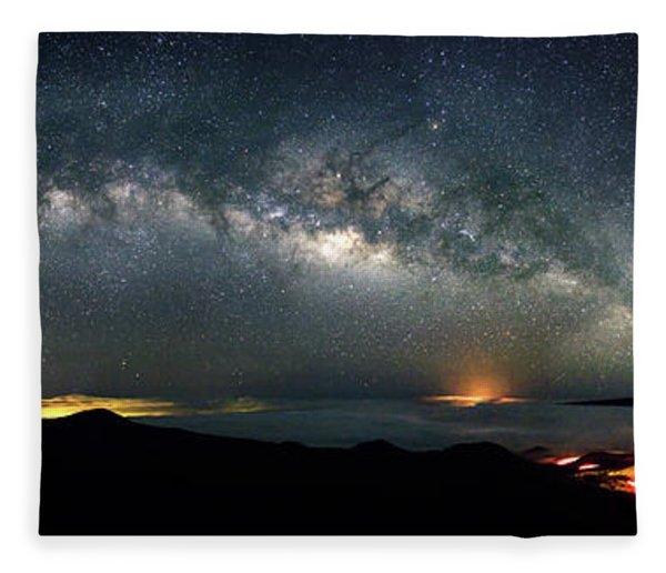 Mauna Kea Milky Way Panorama Fleece Blanket