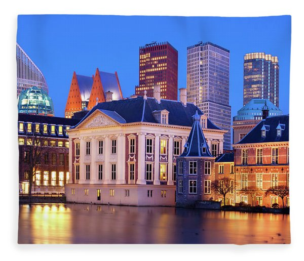 Fleece Blanket featuring the photograph Mauritshuis Museum At Blue Hour by Barry O Carroll