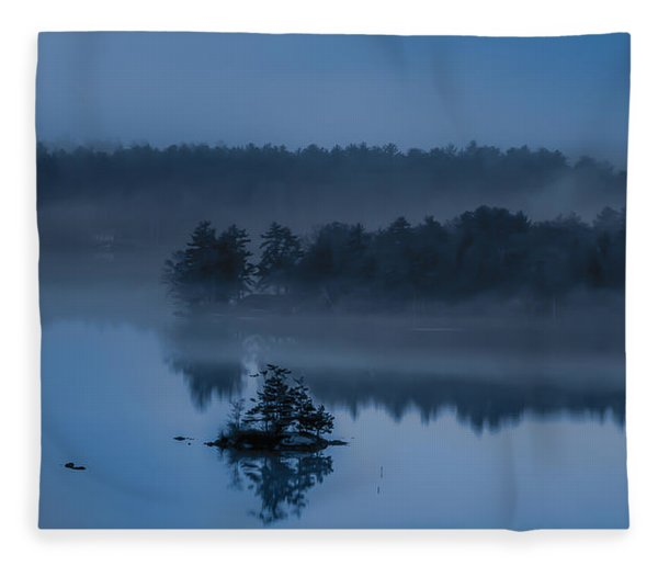 Melvin Bay Blues Fleece Blanket