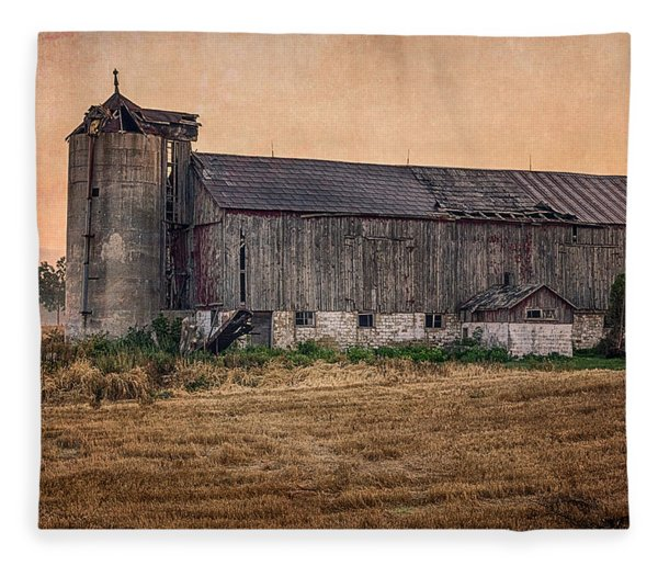 Fleece Blanket featuring the photograph Old Country Barn by Garvin Hunter