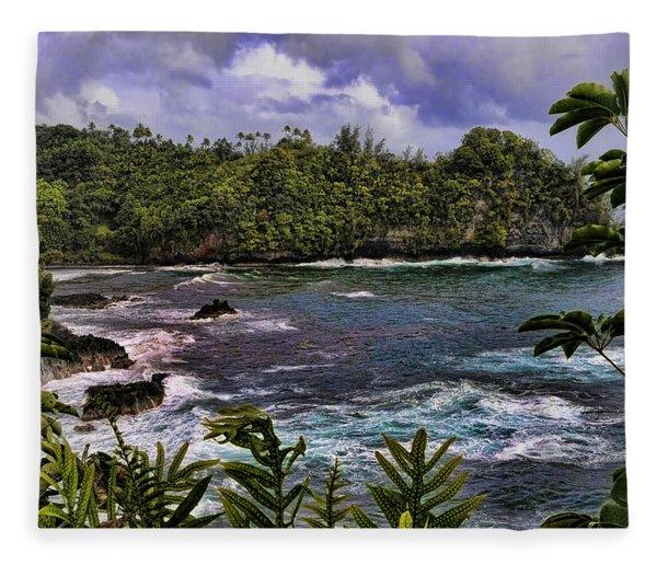 Onomea Bay Hawaii Fleece Blanket
