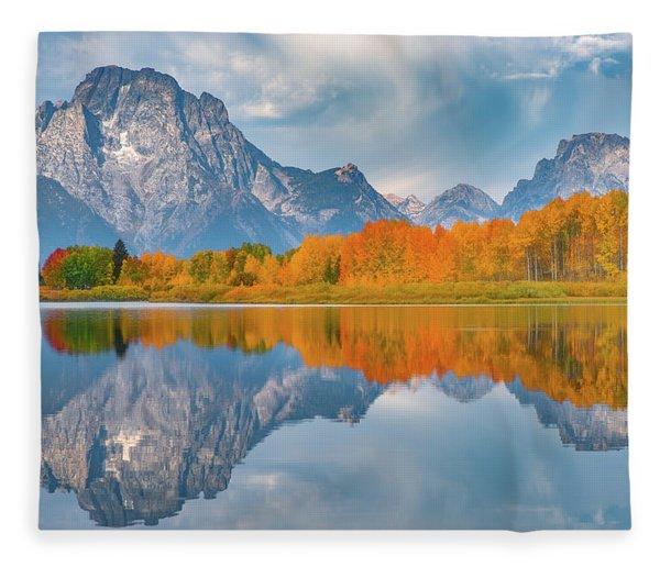 Oxbow's Autumn Fleece Blanket