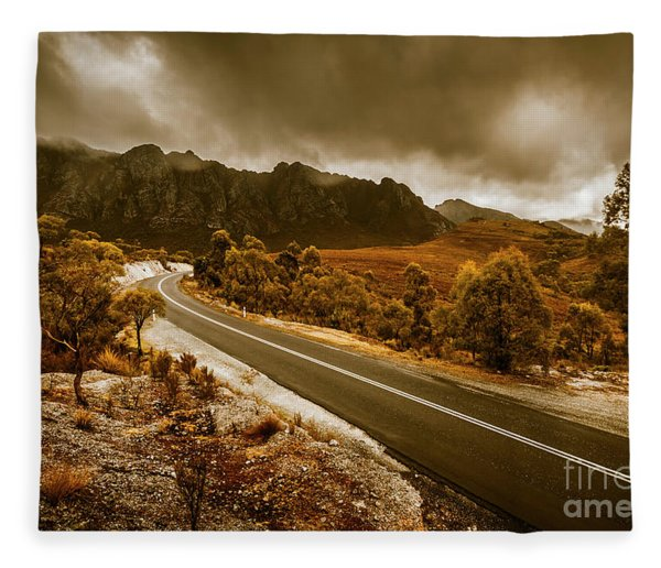 Rugged Rural Retreats Fleece Blanket