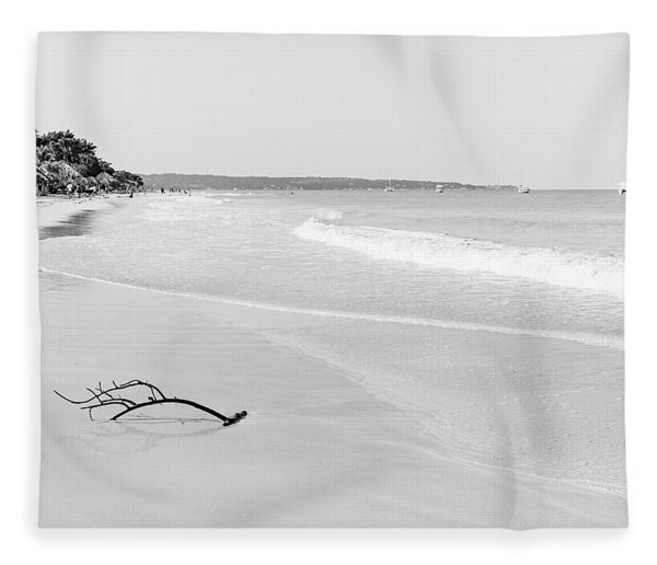 Sand Meets The Sea In Black And White Fleece Blanket
