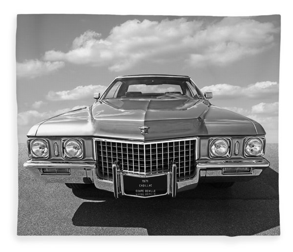 Seventies Superstar - '71 Cadillac In Black And White Fleece Blanket