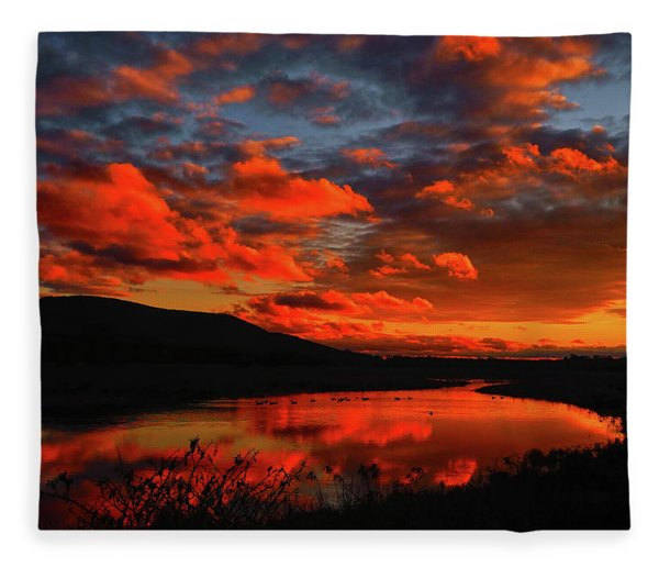 Fleece Blanket featuring the photograph Sunset At Wallkill River National Wildlife Refuge by Raymond Salani III