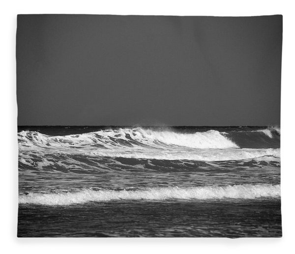Waves 2 In Bw Fleece Blanket