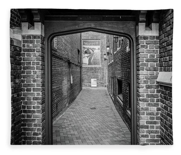Wesport Arch Fleece Blanket