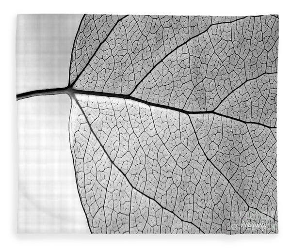 Aspen Leaf Veins Fleece Blanket