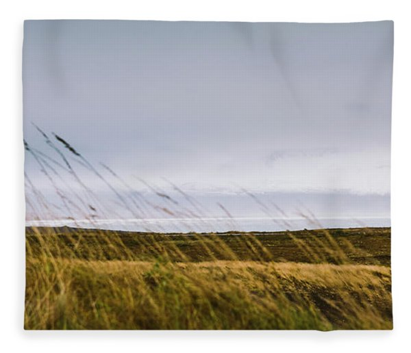 Beautiful Panoramic Photos Of Icelandic Landscapes That Transmit Beauty And Tranquility. Fleece Blanket