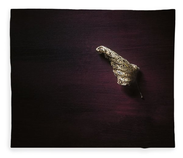 Dry Leaf On Muted Red Fleece Blanket