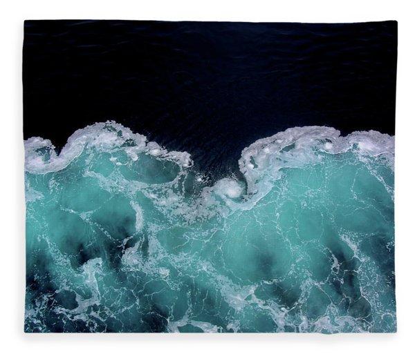 Fluid Snow Fleece Blanket