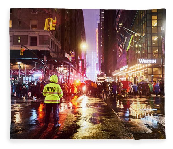 Manhattan Nye Fleece Blanket