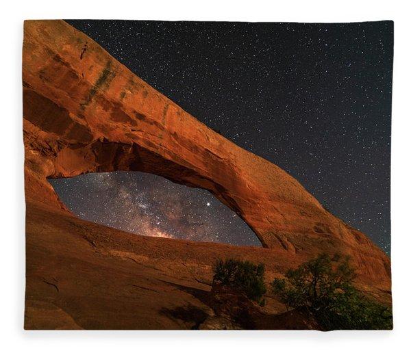 Milky Way Framed By Wilson Arch Fleece Blanket