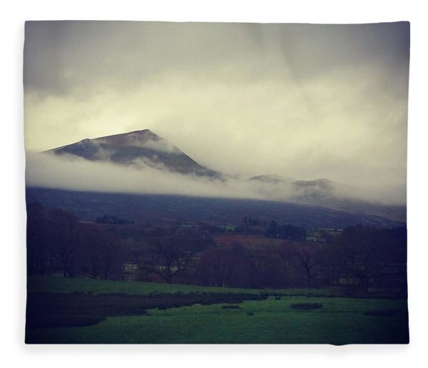 Mountain Cloud Fleece Blanket