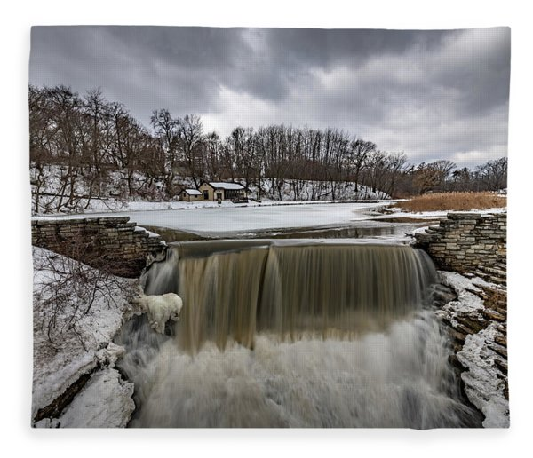 Oak Creek Parkway Waterfall Fleece Blanket