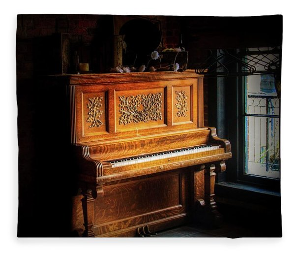 Old Wooden Piano Fleece Blanket