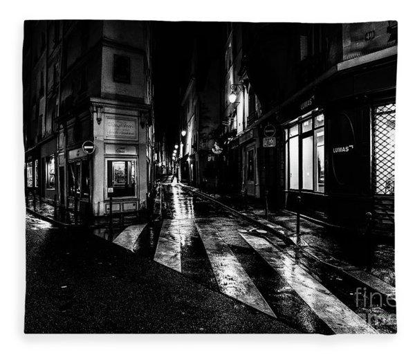 Paris At Night - Rue De Seine Fleece Blanket