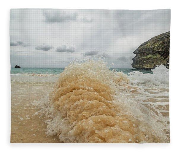 Sideways Wave Bermuda Fleece Blanket