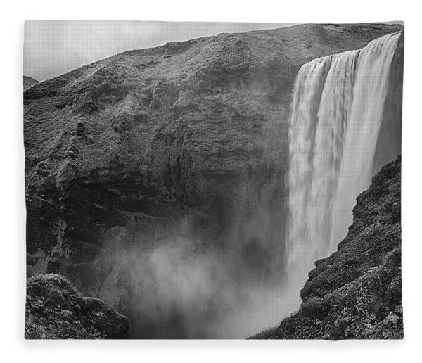 Skogafoss Iceland Black And White Fleece Blanket