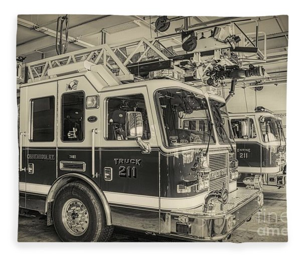 Truck And Engine 211 Fleece Blanket