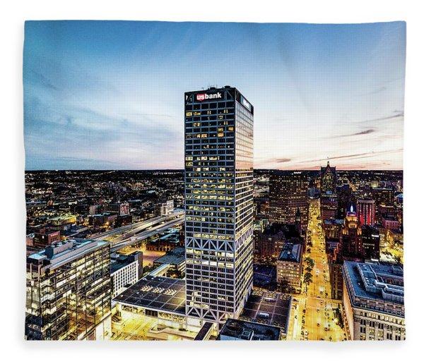 Us Bank Tower Fleece Blanket