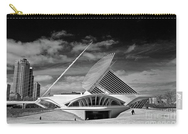 0352 Milwaukee Art Museum Infrared Carry-all Pouch