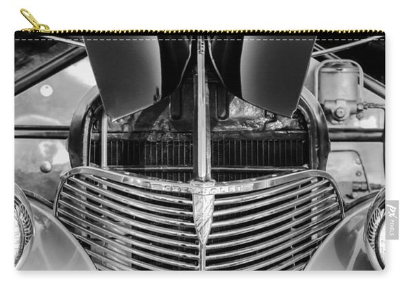 1939 Chevrolet Coupe Grille -115bw Carry-all Pouch