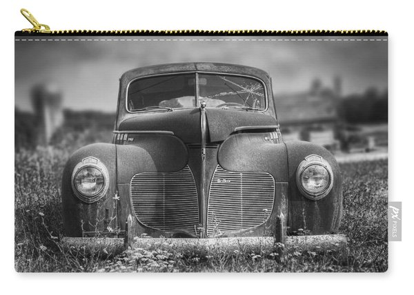 1940 Desoto Deluxe Black And White Carry-all Pouch