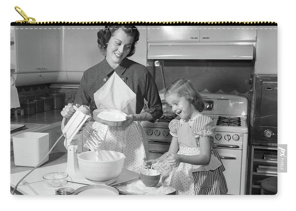 1950s Mother & Daughter Baking A Cake Carry-all Pouch