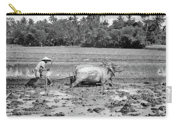 1960s Agriculture Farming Native Man Carry-all Pouch