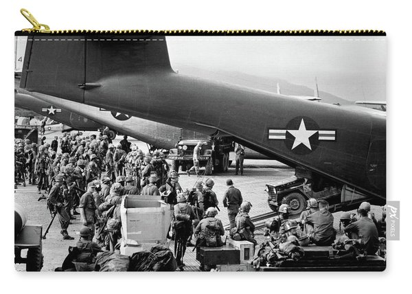 1960s Military Personnel Gathered Carry-all Pouch