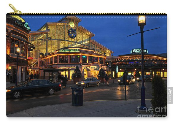 D65l-120 Easton Town Center Photo Carry-all Pouch