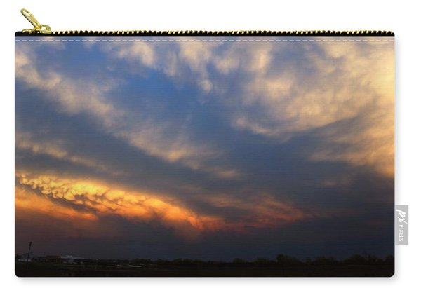 Carry-all Pouch featuring the photograph Nebraska Mammatus Sunset by NebraskaSC