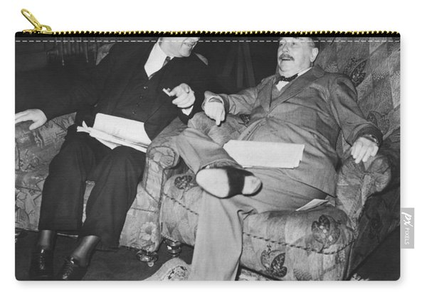 Author H.g. Wells Carry-all Pouch