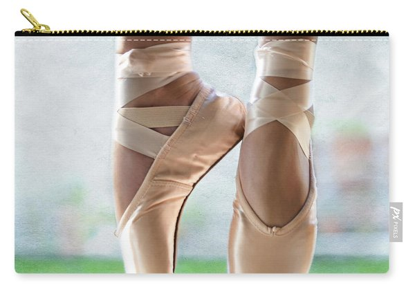 Ballet En Pointe Carry-all Pouch