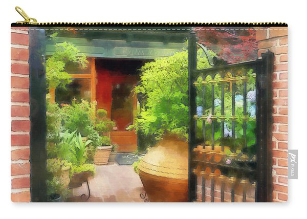 Baltimore - Restaurant Courtyard Fells Point Carry-all Pouch