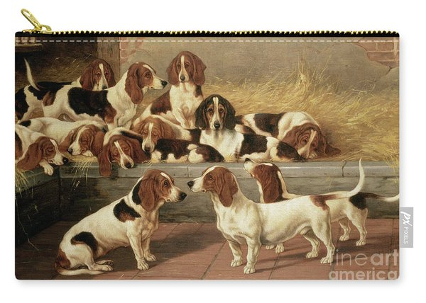 Basset Hounds In A Kennel Carry-all Pouch