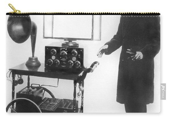Duke & Duchess Portable Radio Carry-all Pouch